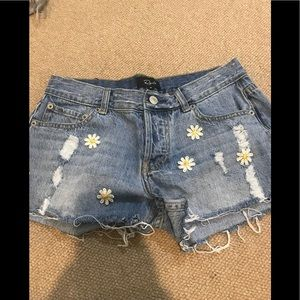 Rails denim shorts with daises size 25 never worn